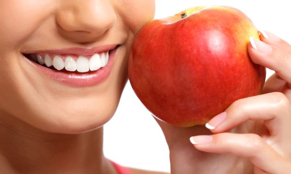Ways A Cosmetic Dentist Can Fix Your Smile